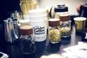 مهرجان لندن للقهوة: يجتمع محبوا وصانعوا القهوة في هذا المكان، ويتم عرض الحلويات والأطعمة التي تدخل فيها القهوة. كما أن هناك العروض والأنشطة الثقافية والموسيقية المختلفة.