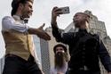 بالصور إطلالات غريبة في المسابقة الوطنية للحى والشوارب  في نيويورك!