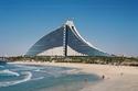 شاطئ جميرا، وفندق دبي