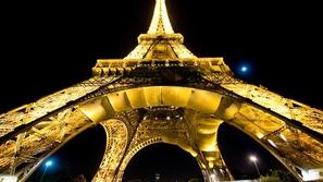 لماذا يمنع تصوير برج إيفل ليلاً؟