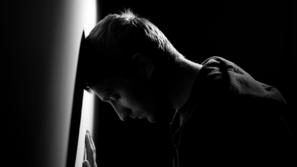 أنواع الاكتئاب وأسبابه