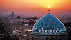 روسيا تبني أول مسجد متنقل في العالم.. يتم استدعائه بالإنترنت