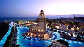 بالفيديو: شاهد أكثر الأماكن جاذبية وفتنة في تركيا