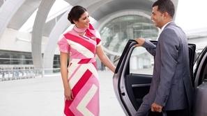 فيديو كيف يستقبل مطار دبي زواره؟