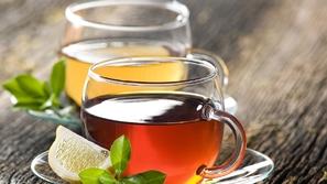 ماذا يحدث عند شرب الشاي بعد تناول الطعام مباشرة