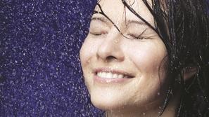جهاز جديد لتنقية مياه الاستحمام للحصول على شعر لامع وصحي