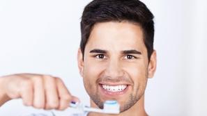 10 نصائح للعناية بصحة أسنانك في شهر رمضان