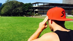 فيديو: قبعة متطورة تمكنك من التحكم بهاتفك الذكي!