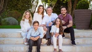 شاهد كلمات الملكة رانيا الدافئة للملك عبدالله وابنهما هاشم تنشر البهجة